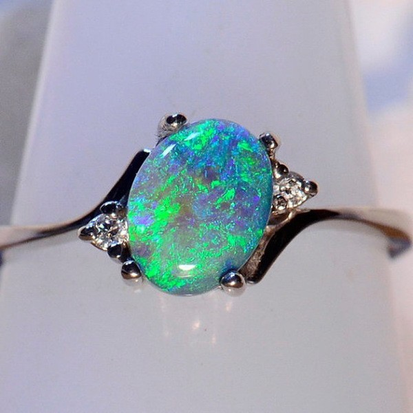 Cute Oval Cut Fire Green Opal Rings