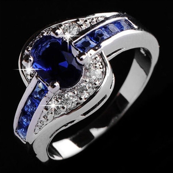 Oval Cut Blue Sapphire Engagement Rings