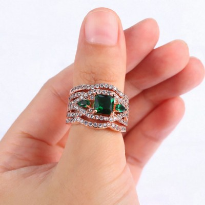 Princess Cut Emerald Rose Gold 3-Piece Three-Stone Bridal Sets